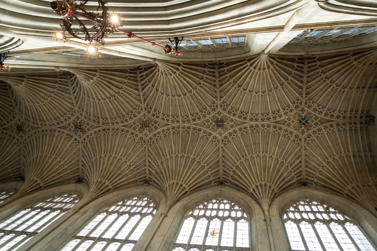 Bath Abbey is known for perpendicular gothic architecture