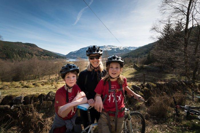 Easy family bikes rides in England and Scotland includes the ride along Loch Lubnaig near Callander in Scotland