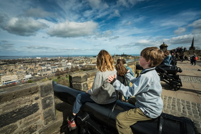 The Edinburgh Castle is a fun activity for kids in Edinburgh