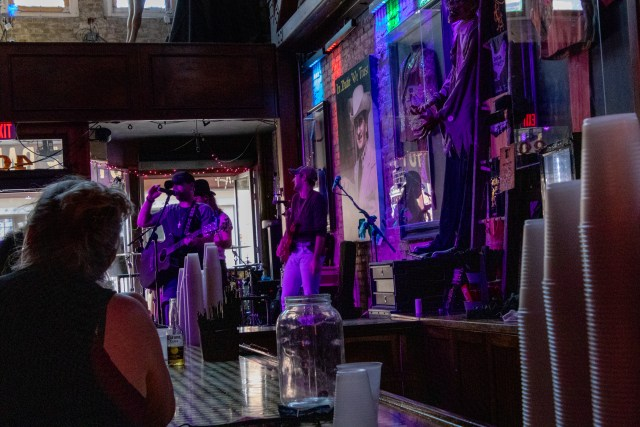 Going bar hopping is one of the many things to do in Nashville during the Pandemic