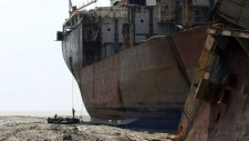 ship breaking chittagong in bangladesh