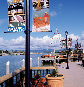 eureka-boardwalk-marina-california-th