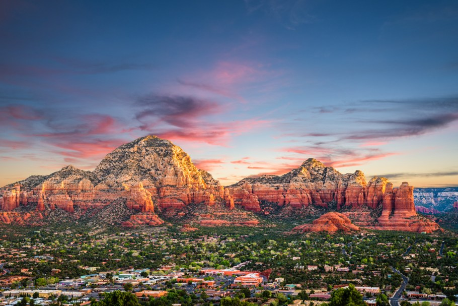 View of Sedona, one of the best small towns in Arizona.