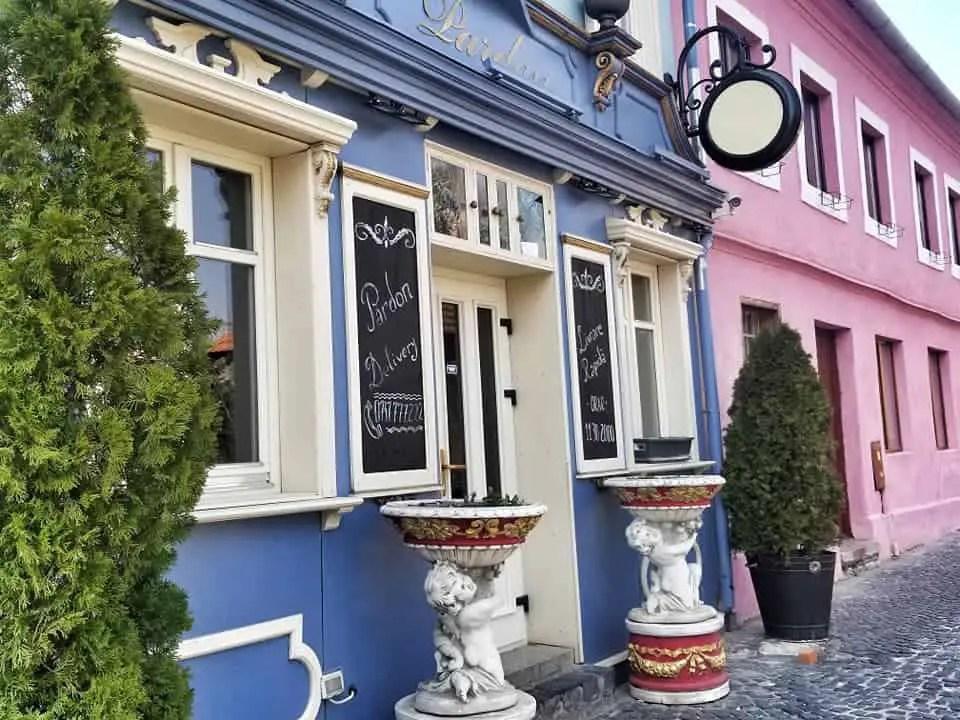 where to eat in sibiu - pardon cafe outer façade