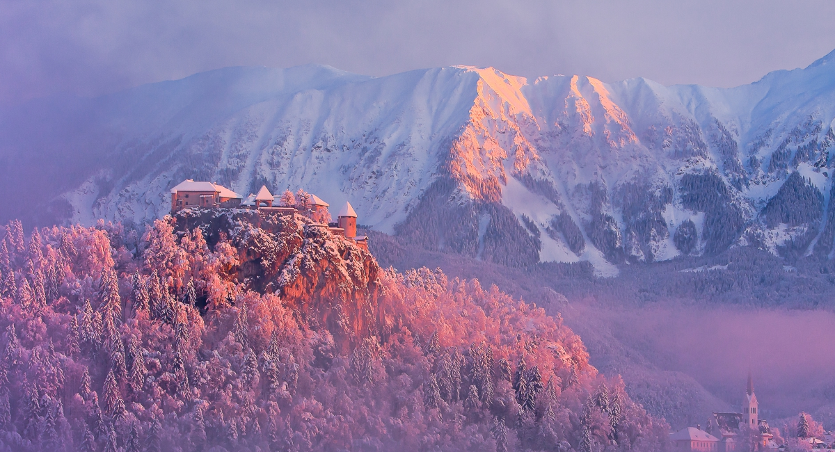 bled_winter_castle