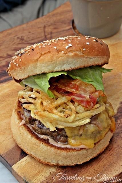 Les Malins Backyard Hazmieh Cheeseburger