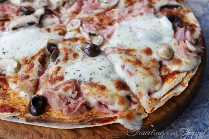 Sandwiched Restaurant Tortilla Pizza Cheese Lebanese
