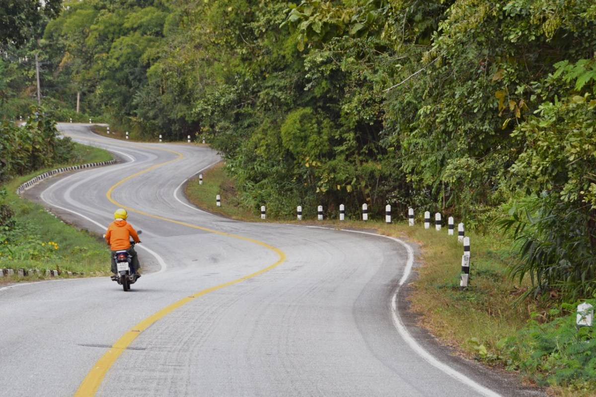 The curvaceous Mae Hong Son Loop