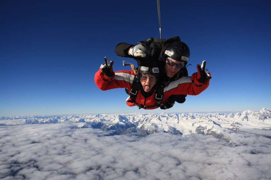 Skydive Franz Josef: MUST or Bust? | Travelin' Stiles