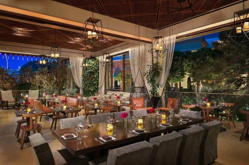 La Cave's Garden Lounge