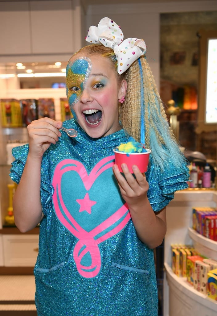 JoJo Siwa satisfies sweet tooth with Scooper Hero ice cream.