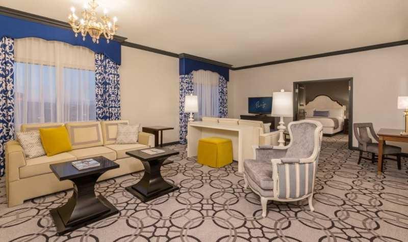 Paris Las Vegas - Renovated St. Tropez Suite - Living Room