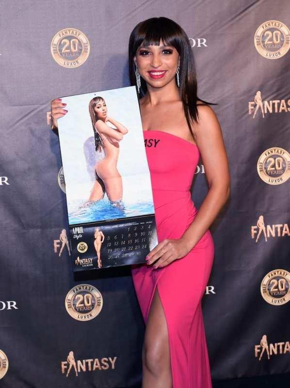 Skyla with Calendar
