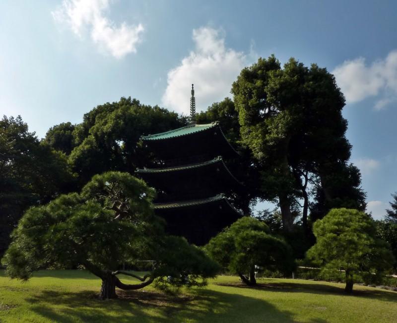 The Pagoda At Chinzanso 171 Traveljapanblog Com