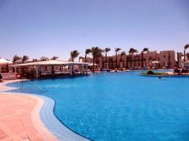 The main pool - Breezes