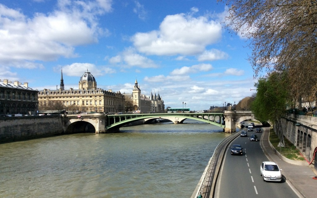 The banks of the Seine in Paris; from a travel blog by www.traveljunkiegirl.com