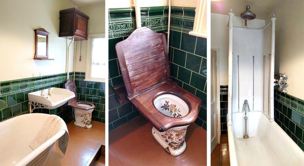 The Edwardian Bathroom at Pickfords House, Derby, England; from a travel blog by www.traveljunkiegirl.com