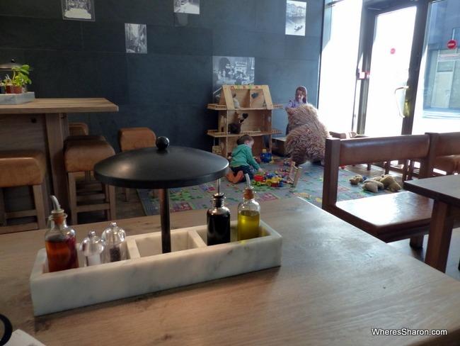 أفضل المطاعم في تالين مع الأطفال