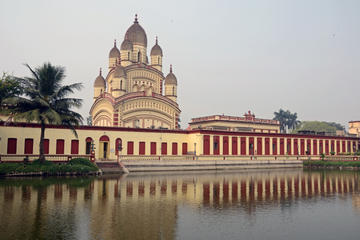 Daskshineshwar temple on banks of Hoogly