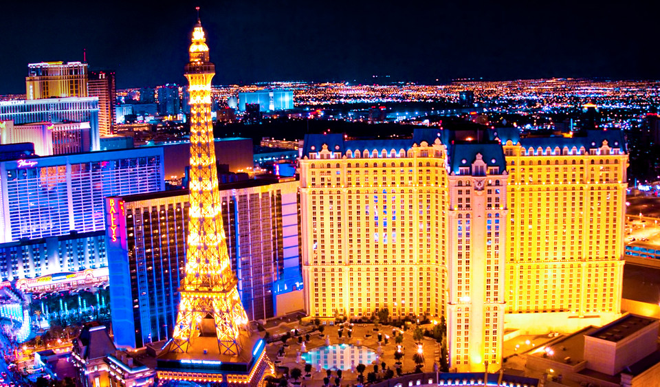 Photo: Paris' Eiffel Tower in Las VegasA