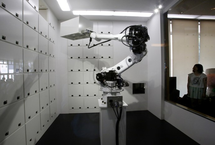 Photo: Robotic arm at Henn na Hotel, Japan