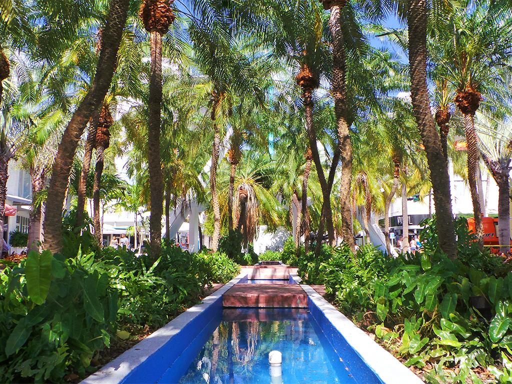Exploring Iconic Miami Beach: Lincoln Road & Española Way - TravelLatte