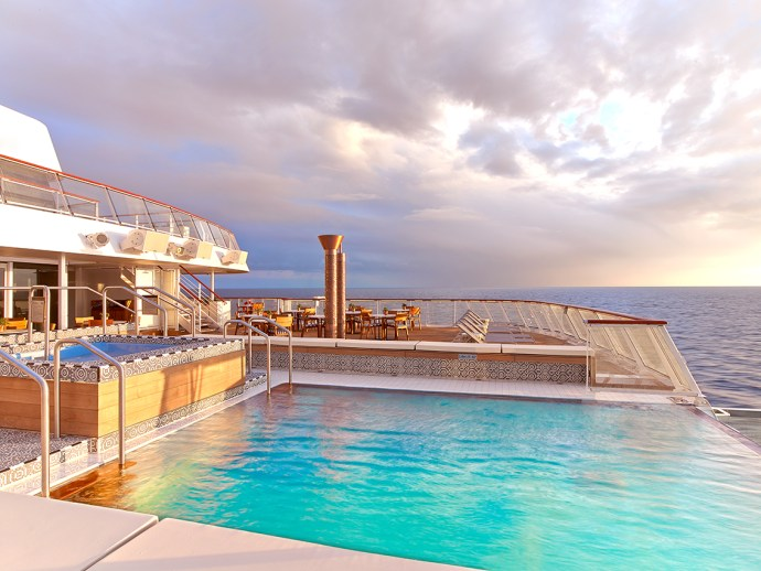 Photo: Viking Star Aquavit Terrace and Infinity Pool