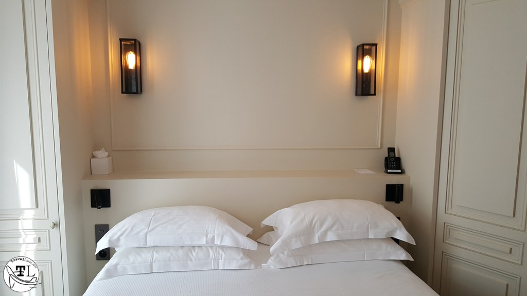 Our stay at h tel la comtesse paris tour eiffel travellatte - Hoofd bed comtesse ...