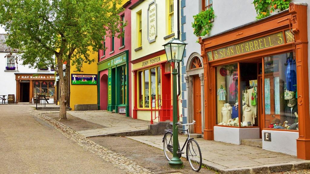 Bunratty Folk Park in Top 5 Castle Day Trips from Dublin via @TravelLatte.net