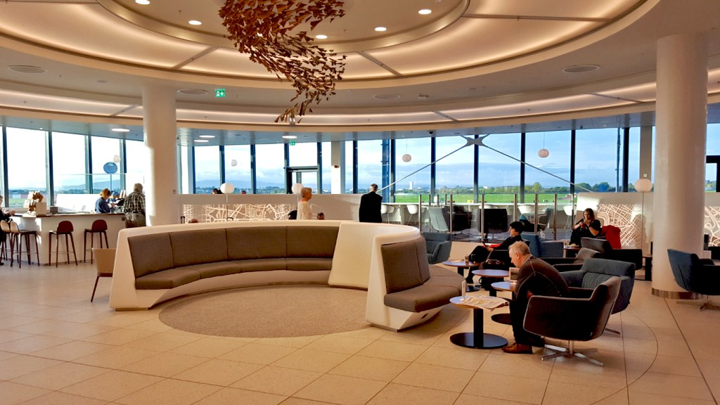 The luxurious gift of airport lounge access on the TravelLatte Un-Gift Holiday Gift Guide