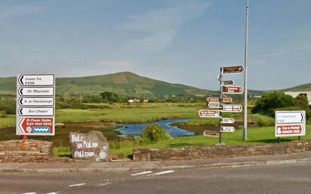 Road signs on Ireland's Scenic Slea Head Drive via @TravelLatte.net