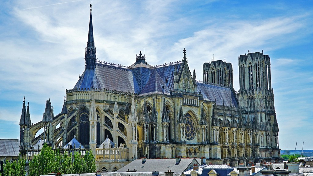 Cathedrale Notre-Dame de Reims - Three Alternative Notre Dames on Day Trips from Paris on TravelLatte.net