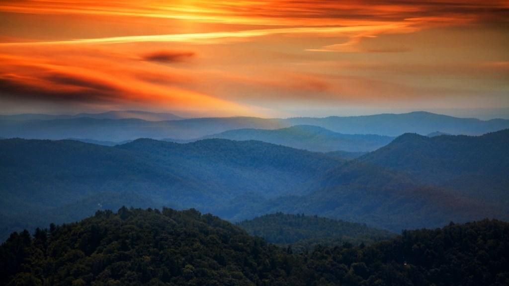 Blue Ridge Parkway - Armchair Traveler - TravelLatte