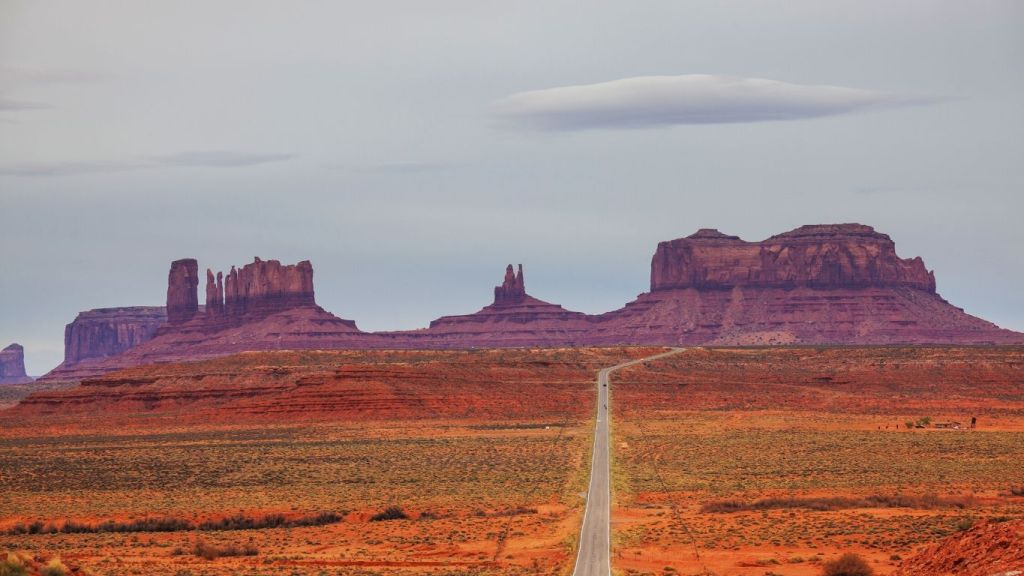 Monument Valley - Armchair Traveler - TravelLatte
