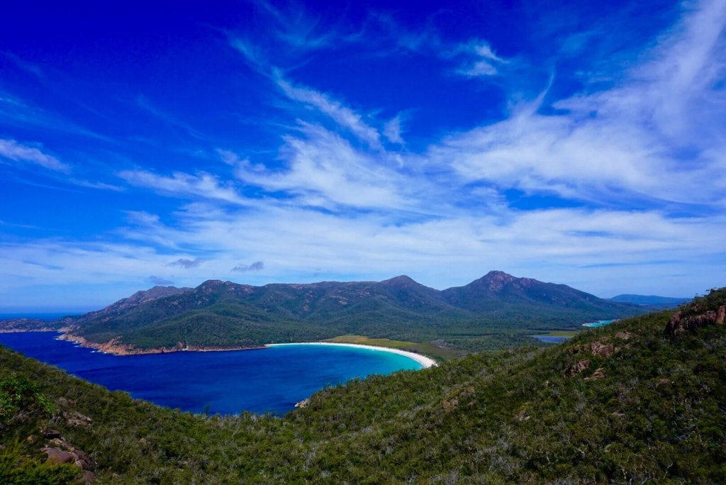 Top experiences travelling the world - Wineglass bay, Tasmania