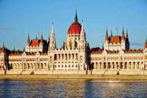 4 Signs It's Time to Head Home from Travel: Budapest Parliament