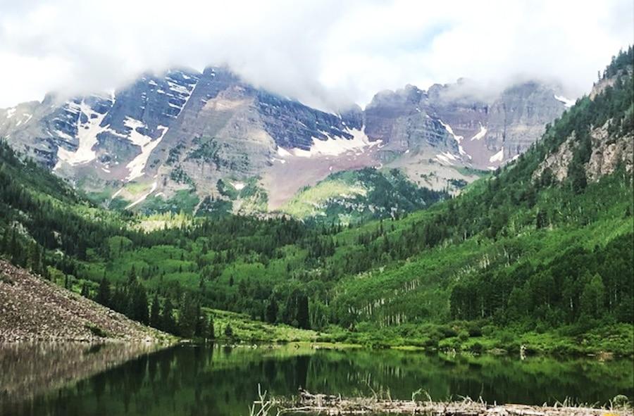 View of the scenery in Aspen Scenic Area