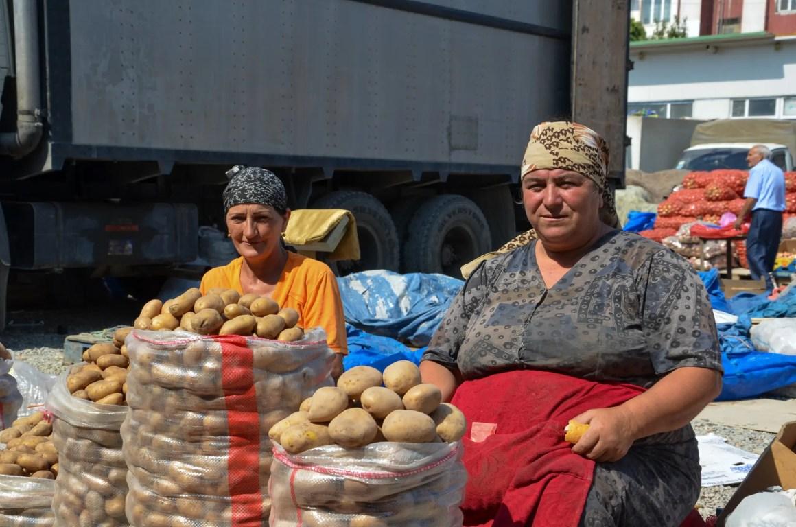 Aardappelen maken deel uit van het voedsel uit Azerbeidzjan