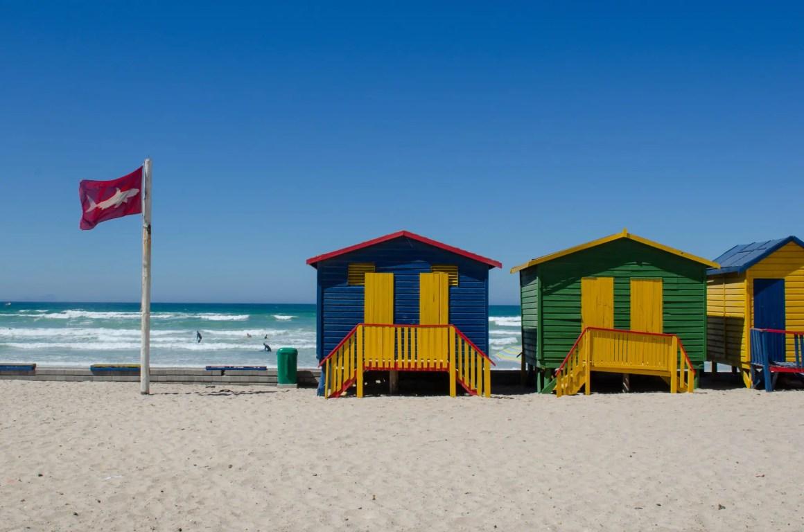 De strandhutten van Muizenberg mogen niet ontbreken in de bezienswaardigheden van Zuid-Afrika