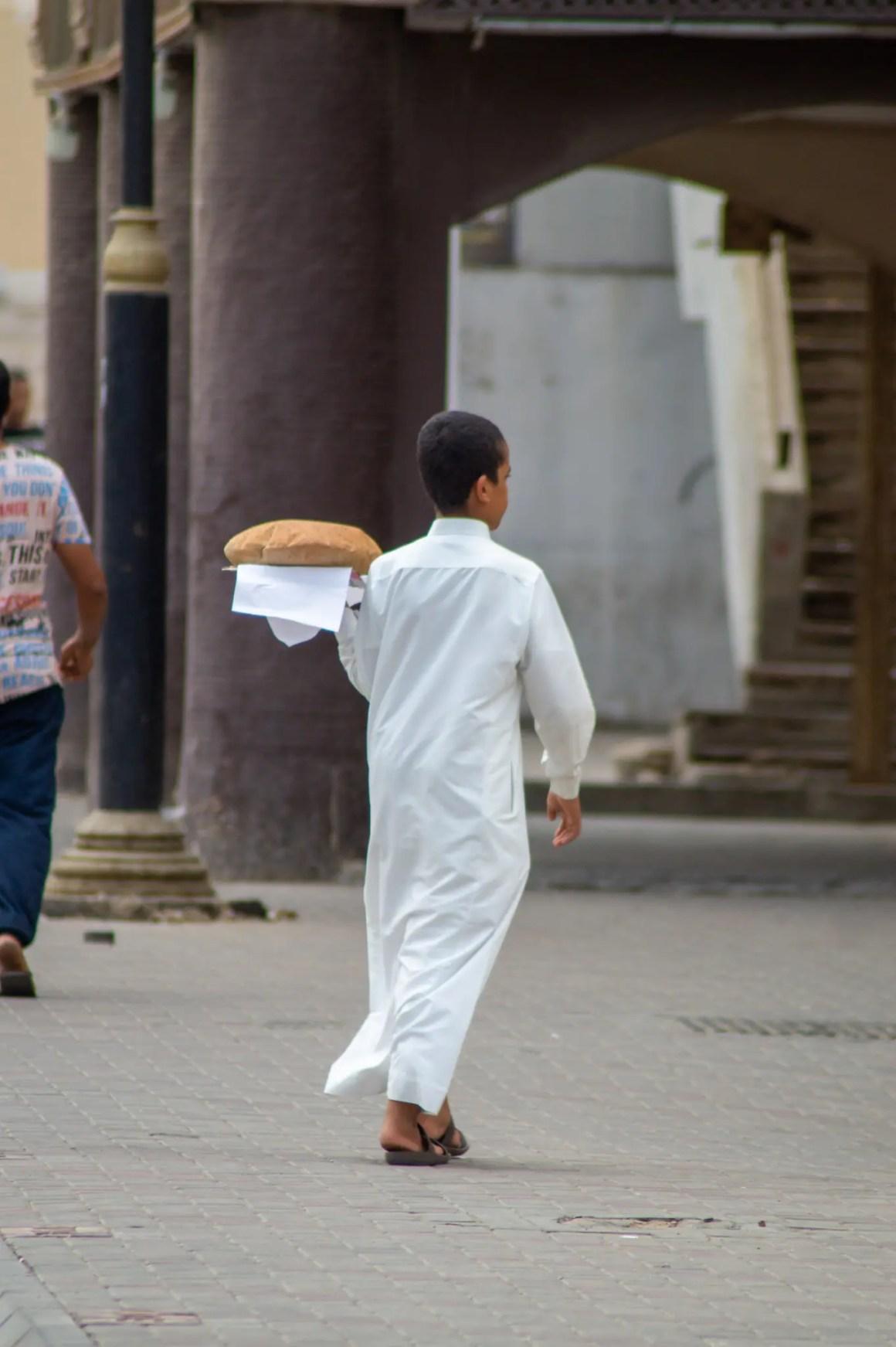 Broodjongen in Jeddah