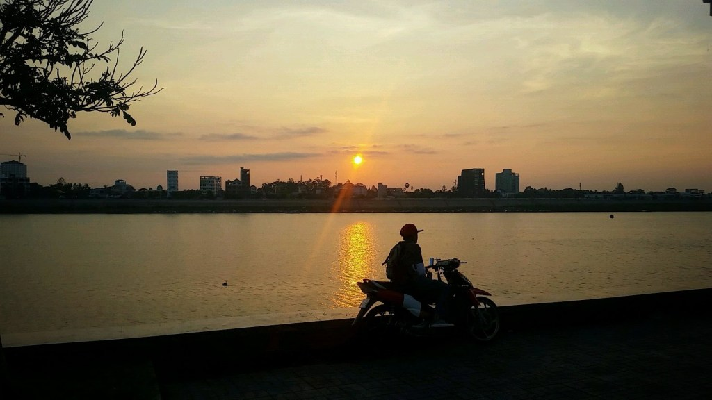 sunrise in phnom penh