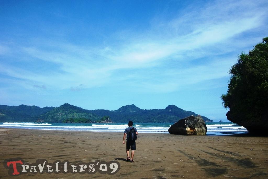 Pantai Pelang Destinasi Wisata Menarik Di Ujung Barat Trenggalek