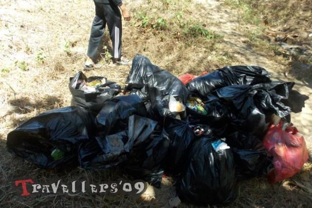 sampah pantai pangi