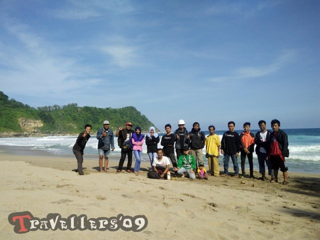 pantai gayasan travellers