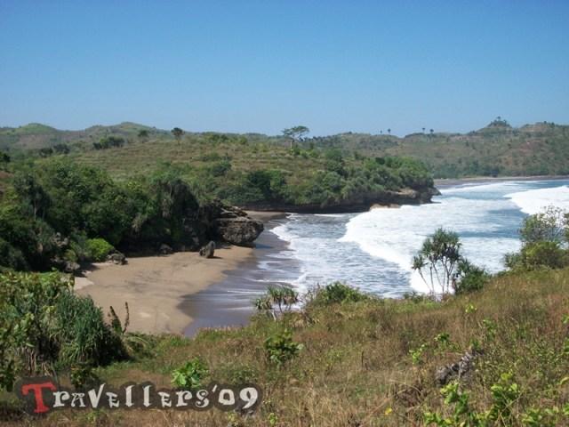 Pantai Selok Gogor di Teluk Serang Blitar 5