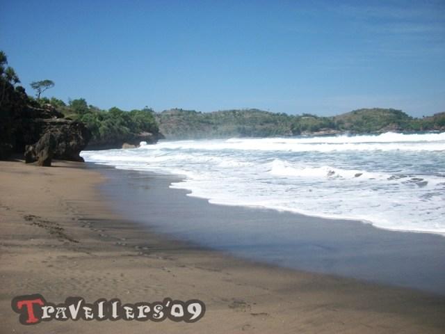Pantai Selok Gogor di Teluk Serang Blitar 3