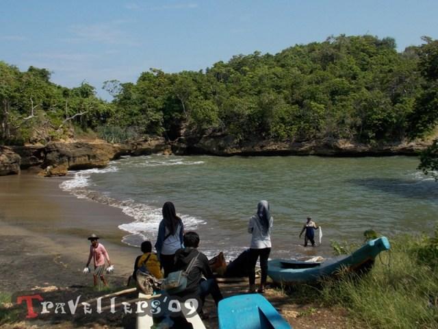 Pantai Mesang Padang Blitar, Lengkungan Mini nan Eksotis di Teluk Serang 4