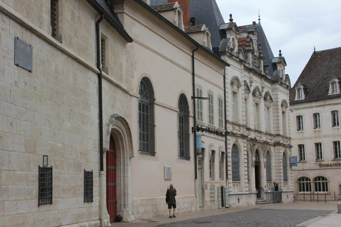 Things to do and see in and around Beaune, Beaune, France - the wine capital of Burgundy, streets of Beune