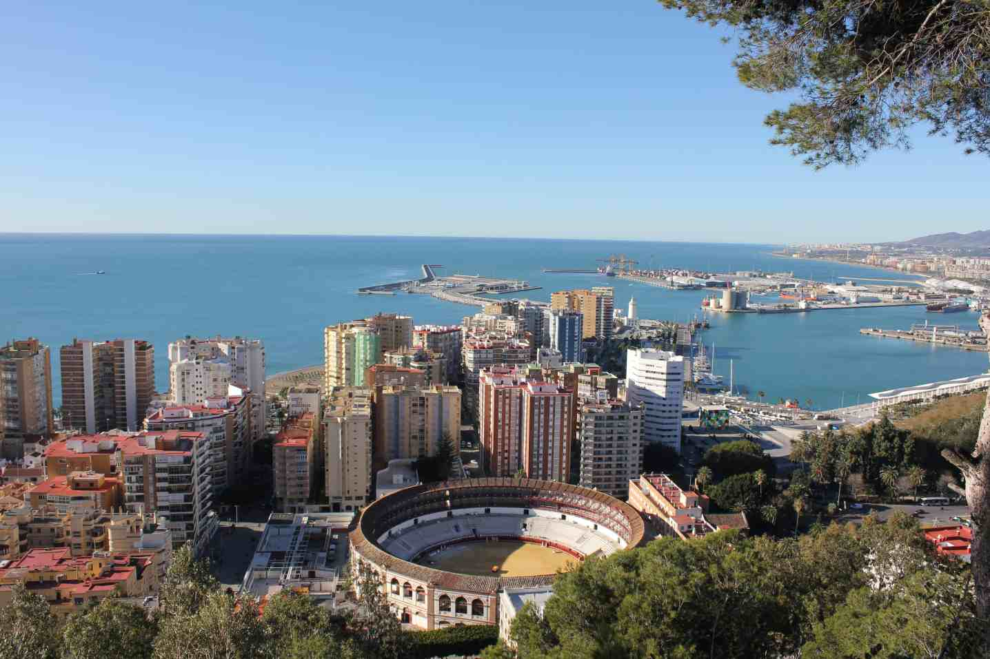 things to do in malaga, malaga facts, where to stay in malaga, free things to do in malaga, malaga airport transfer, Gibralfaro