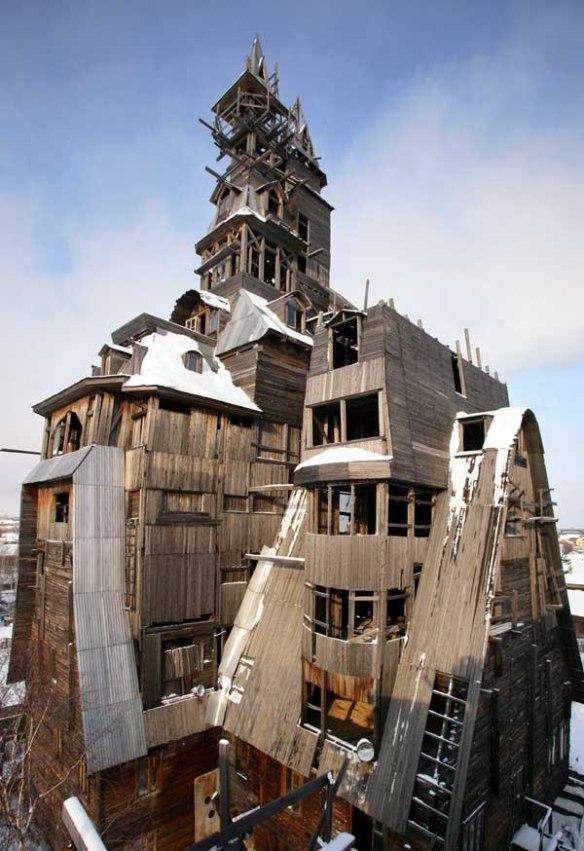 Деревянный небоскреб в Архангельске. Снесен в 2009 году.